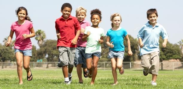 group-of-kids-running